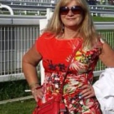 Shezaroo from Wickford | Woman | 62 years old | Aries