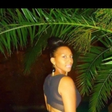 Shata from Fontana | Woman | 35 years old | Aries