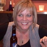 Dolly from Lancaster | Woman | 48 years old | Leo
