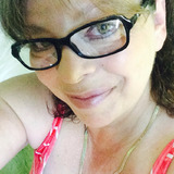 Dee from Gary | Woman | 56 years old | Aquarius