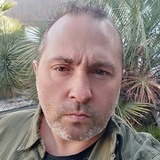 Mike from Paris   Man   45 years old   Capricorn