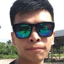 Javier looking someone in Taiwan #4
