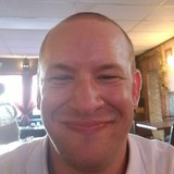 Wayne from Center | Man | 36 years old | Cancer