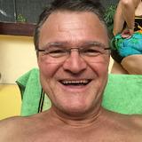 Stefan from Singapur | Man | 58 years old | Taurus