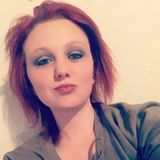 Nat from Russell | Woman | 24 years old | Cancer