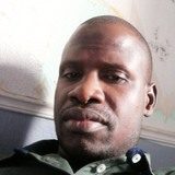 Keita from Bobigny | Man | 35 years old | Capricorn