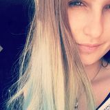 Blue from Valence | Woman | 20 years old | Aries
