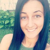 Sass from Peoria Heights | Woman | 27 years old | Capricorn