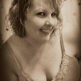 Mandie from Warrenton | Woman | 47 years old | Taurus